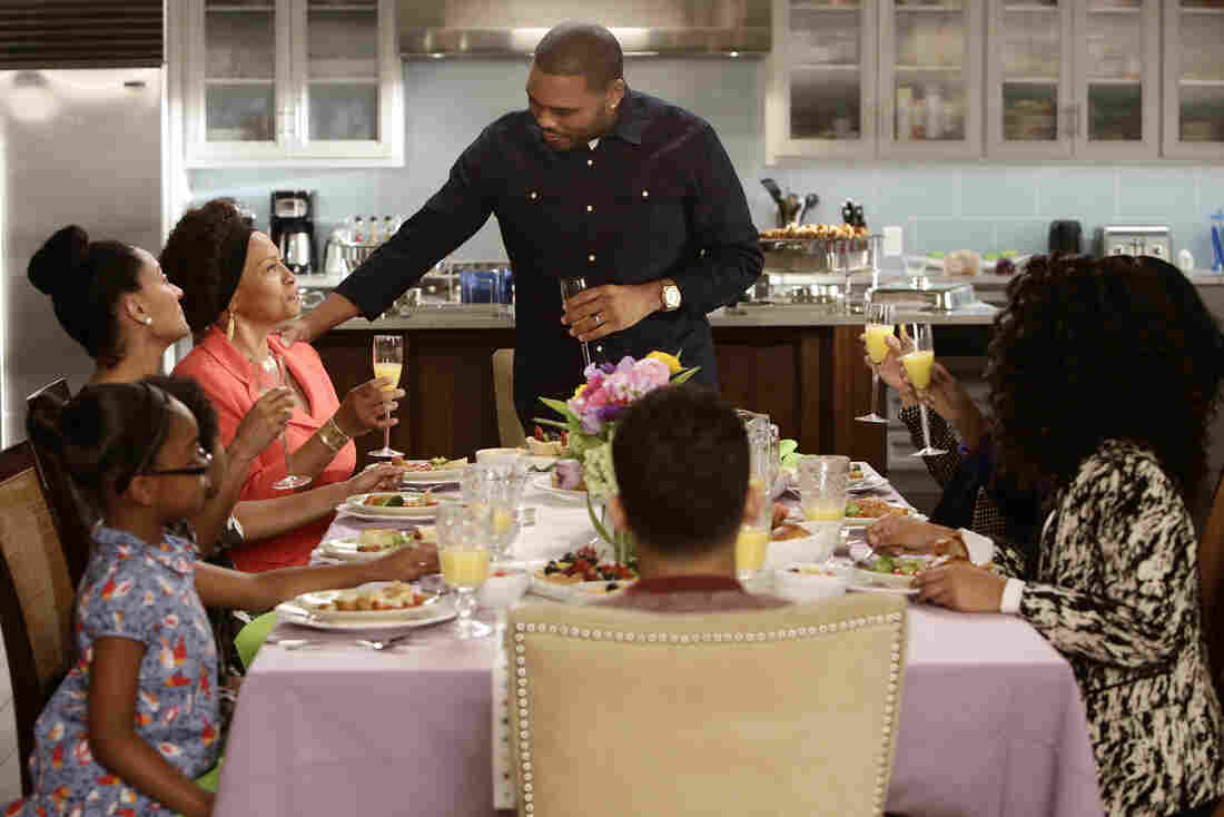Anthony Anderson and Tracee Ellis star in ABC's Black-ish.