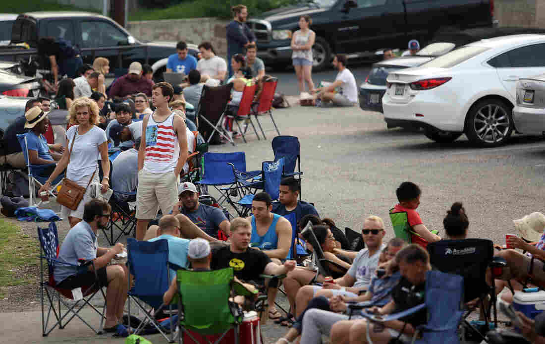 Line-sitters waited for hours outside Franklin Barbecue in Austin, Tex., on July 3, 2015.
