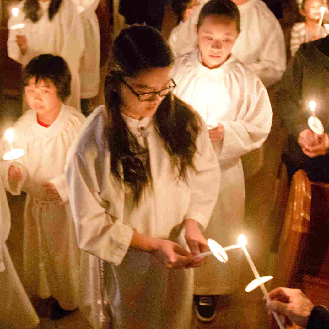 Built By Immigrants, U.S. Catholic Churches Bolstered By Them Once Again
