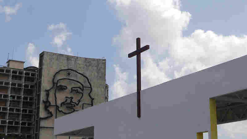 """The altar where Pope Francis will celebrate Mass in Revolution Square in Havana near a government building decorated with the likeness of revolutionary hero Ernesto """"Che"""" Guevara. The Mass is scheduled for Sept. 20."""