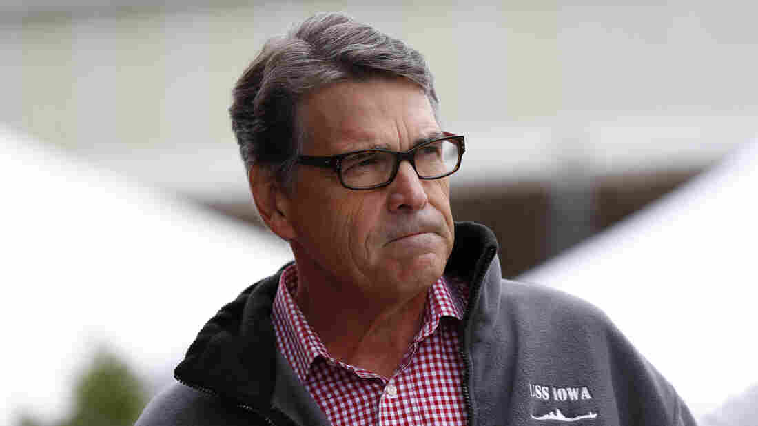 Former Texas Gov. Rick Perry announced Friday in St. Louis that he is suspending his second bid for the presidency.