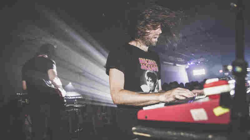 Ratatat, 'Nightclub Amnesia' (Live)