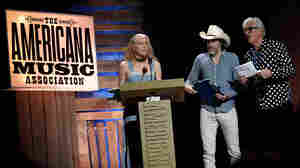 Robyn Hitchcock presented Gillian Welch and David Rawlings with the Lifetime Achievement Award for Songwriting at the Americana Music Association Honors and Awards Show on Sept. 16, 2015.