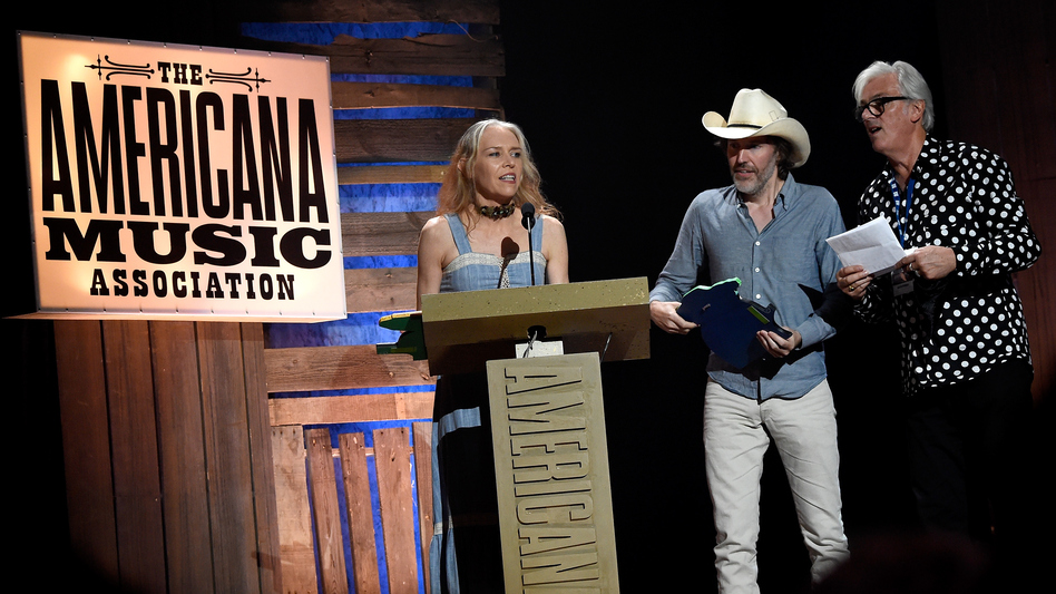 Robyn Hitchcock presented Gillian Welch and David Rawlings with the Lifetime Achievement Award for Songwriting at the Americana Music Association Honors and Awards Show on Sept. 16, 2015. (Getty Images for Americana Music)