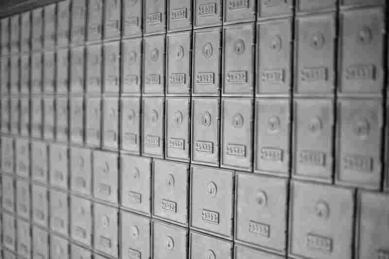 The hundreds of original bronze postal boxes are still there.