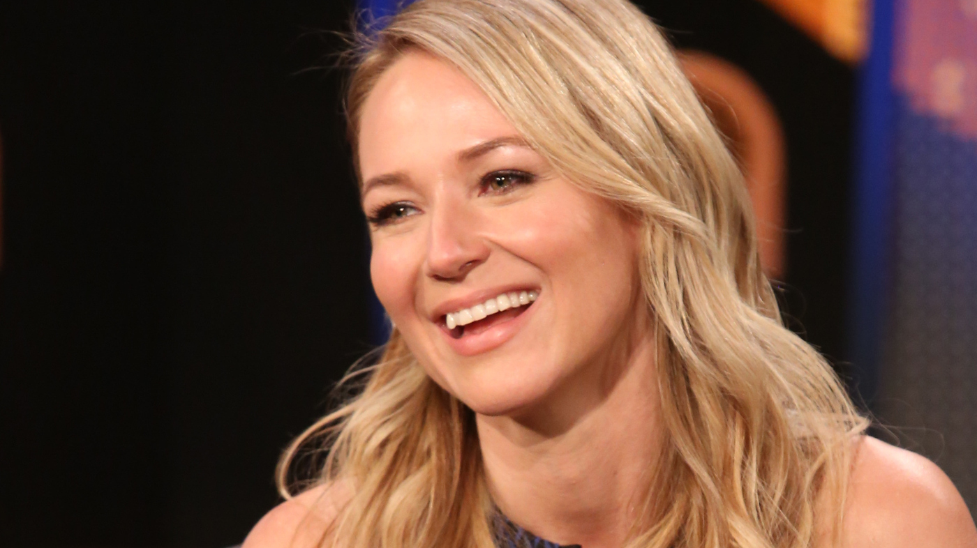 not my job singer songwriter jewel gets quizzed on jewel thieves