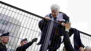 After Employees Mob Air France Executives, French Government Gets Involved