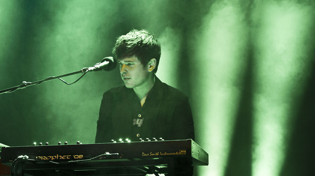 BERLIN, GERMANY - MAY 30: British singer James Blake performs live during Berlin Festival Day 2 at the Arena Treptow on May 30, 2015 in Berlin, Germany. (Photo by Frank Hoensch/Redferns via Getty Images) (Redferns via Getty Images)