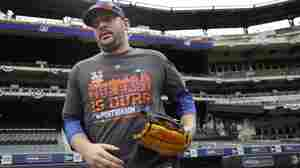 New York Mets pitcher Matt Harvey working out on the field on Oct. 7.