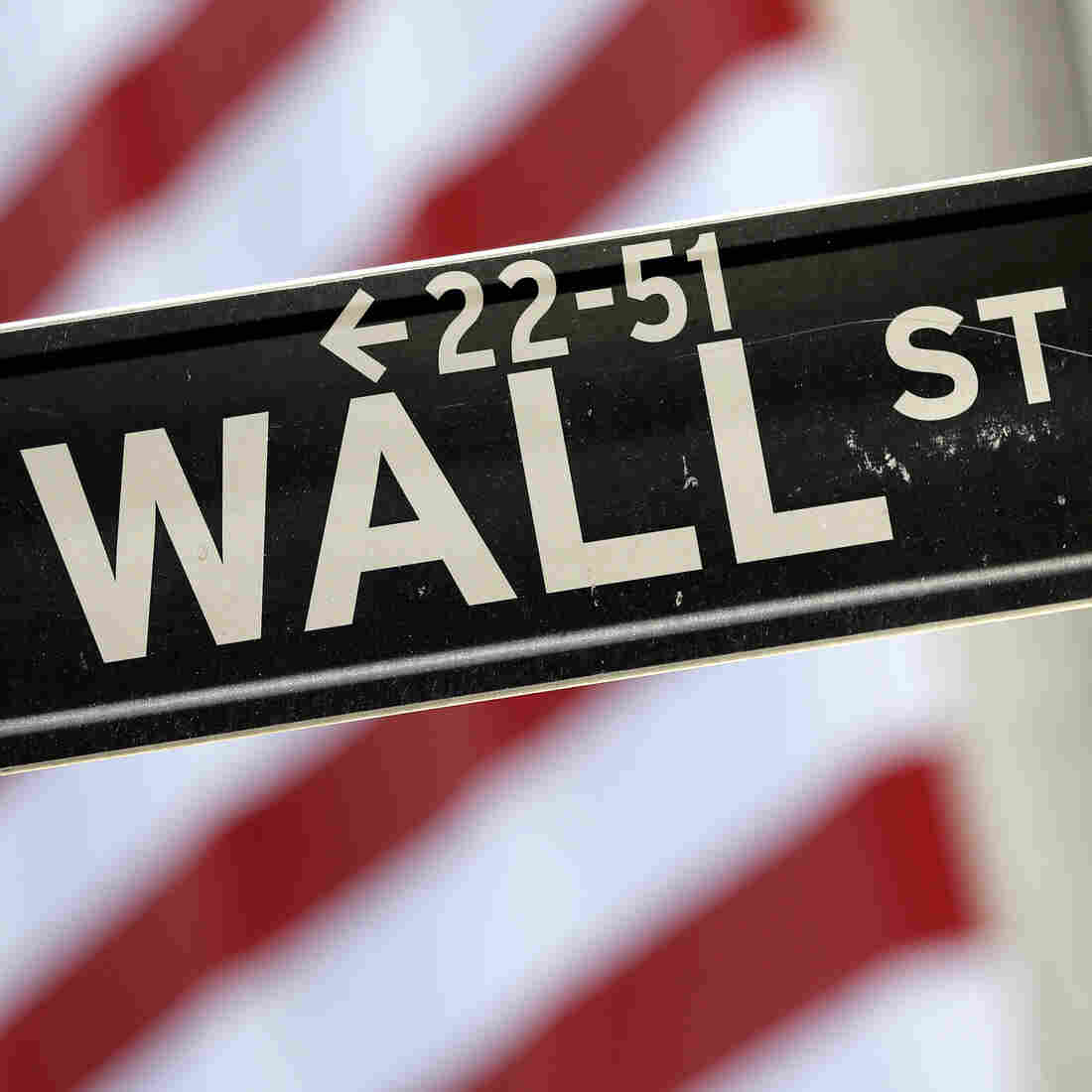 Some Democratic candidates have blamed the 1999 scaling back of the Glass-Steagall Act for the financial collapse. That's arguably only partially true.