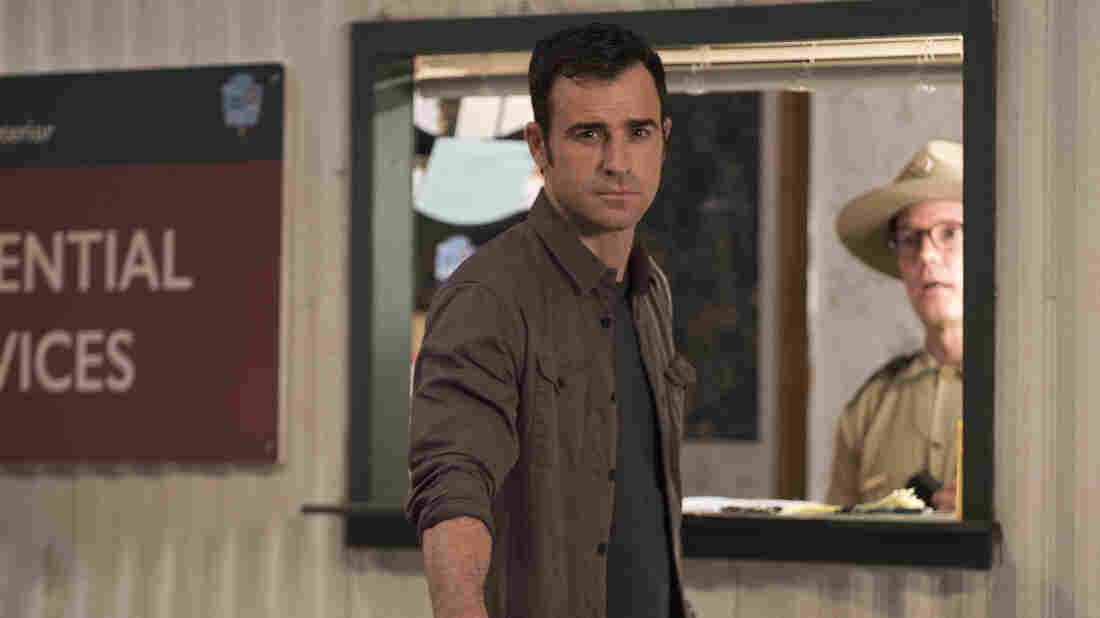 Justin Theroux plays a former police chief who has moved from New York to Texas and is trying to create a new family in the second season of the HBO series, The Leftovers.