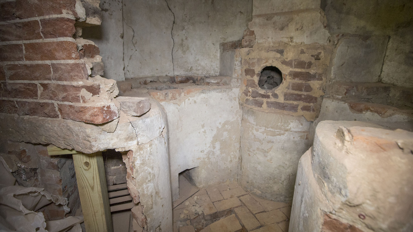 Historic Chemistry Lab With Links To Thomas Jefferson Discovered Behind Wall