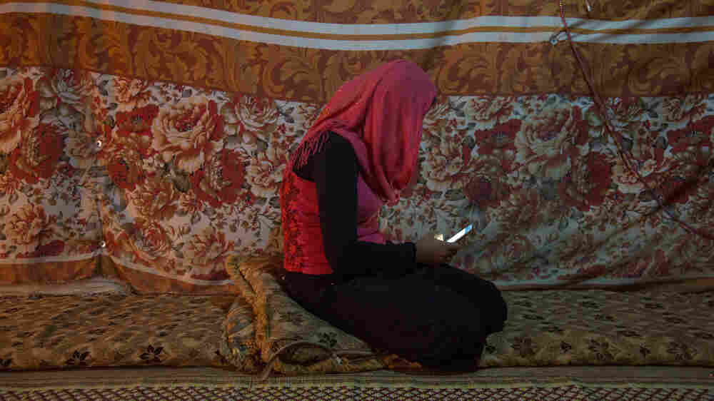 A Teen Who Fled Syria Had High Hopes For Her Life In Lebanon: #15Girls