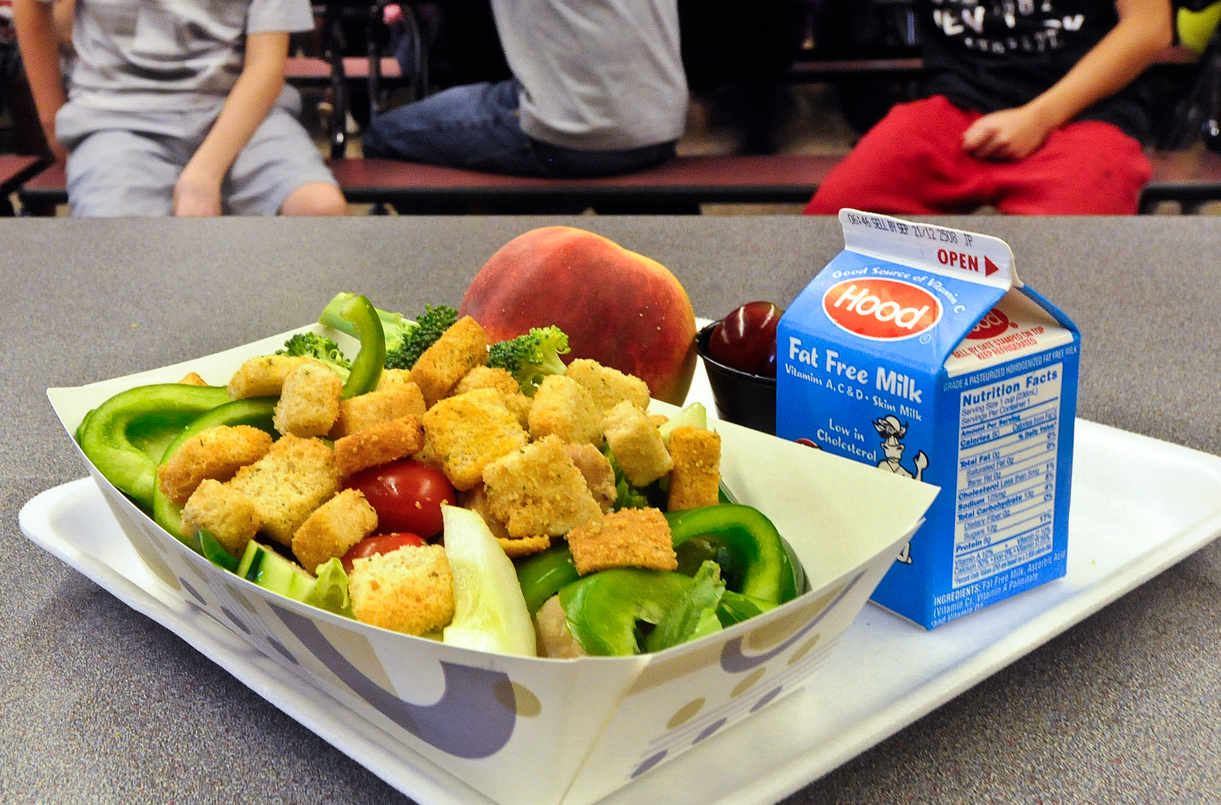 As Schools Buy More Local Food, Kids Throw Less Food In The Trash