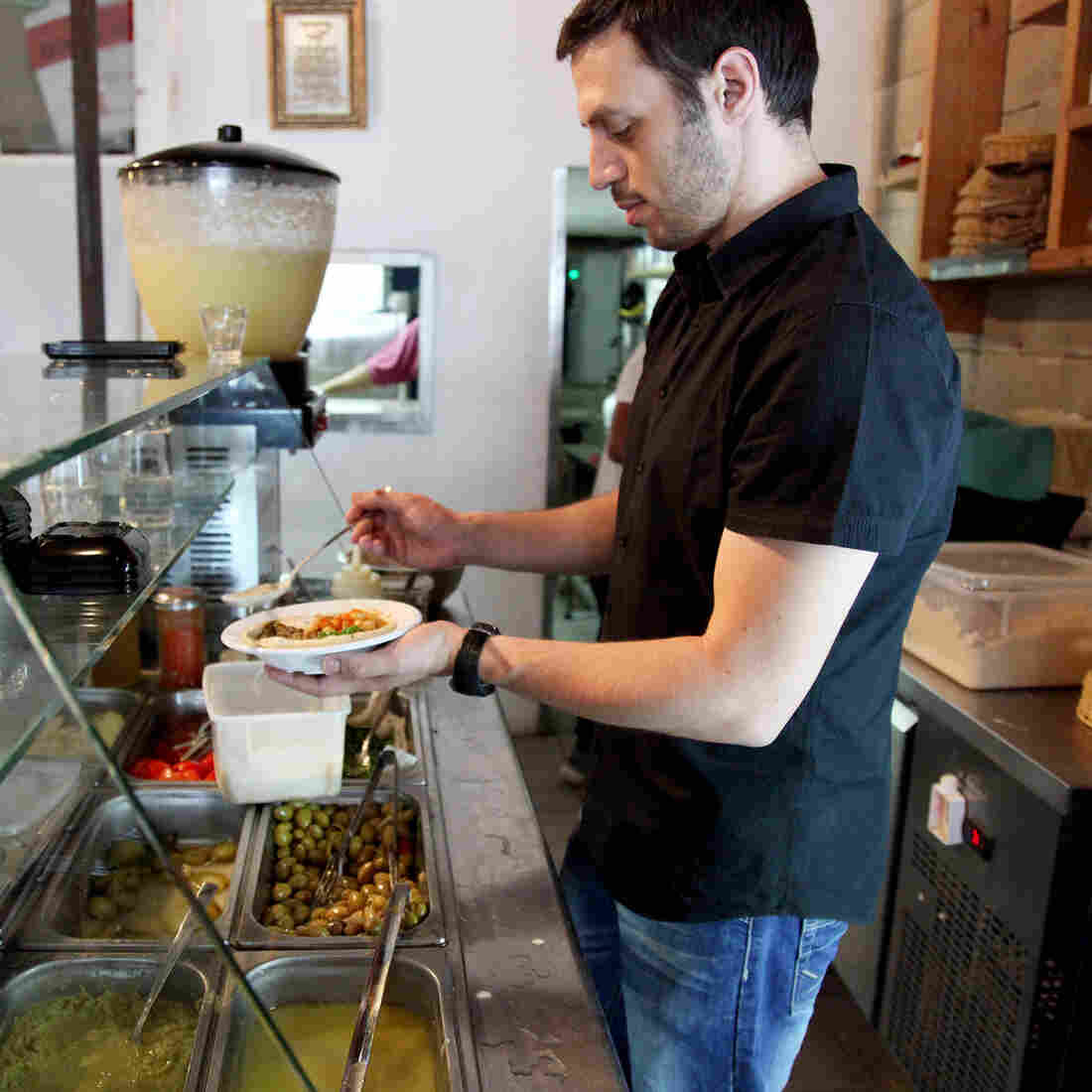 Hummus Diplomacy: Israeli Cafe Discounts Meals Shared By Jews And Arabs