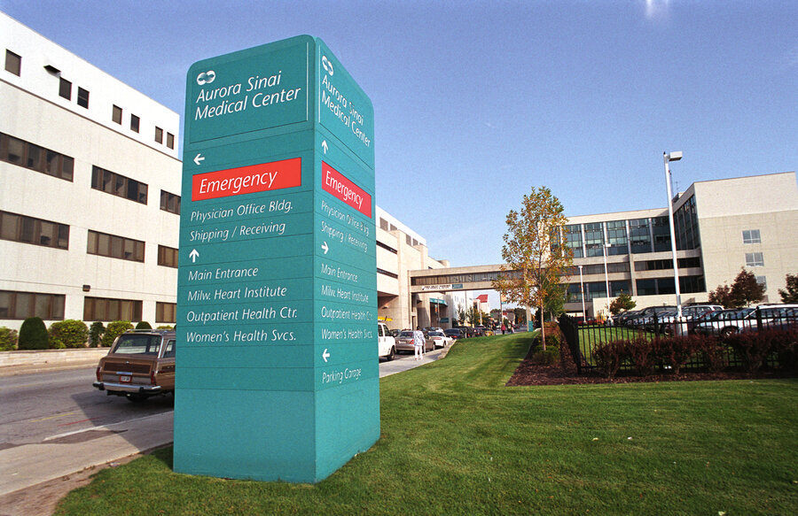Social Workers Help Keep Patients Out Of The Emergency Room : Shots ...