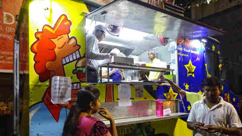 America's Food Truck Craze Parks On The Streets Of Kolkata