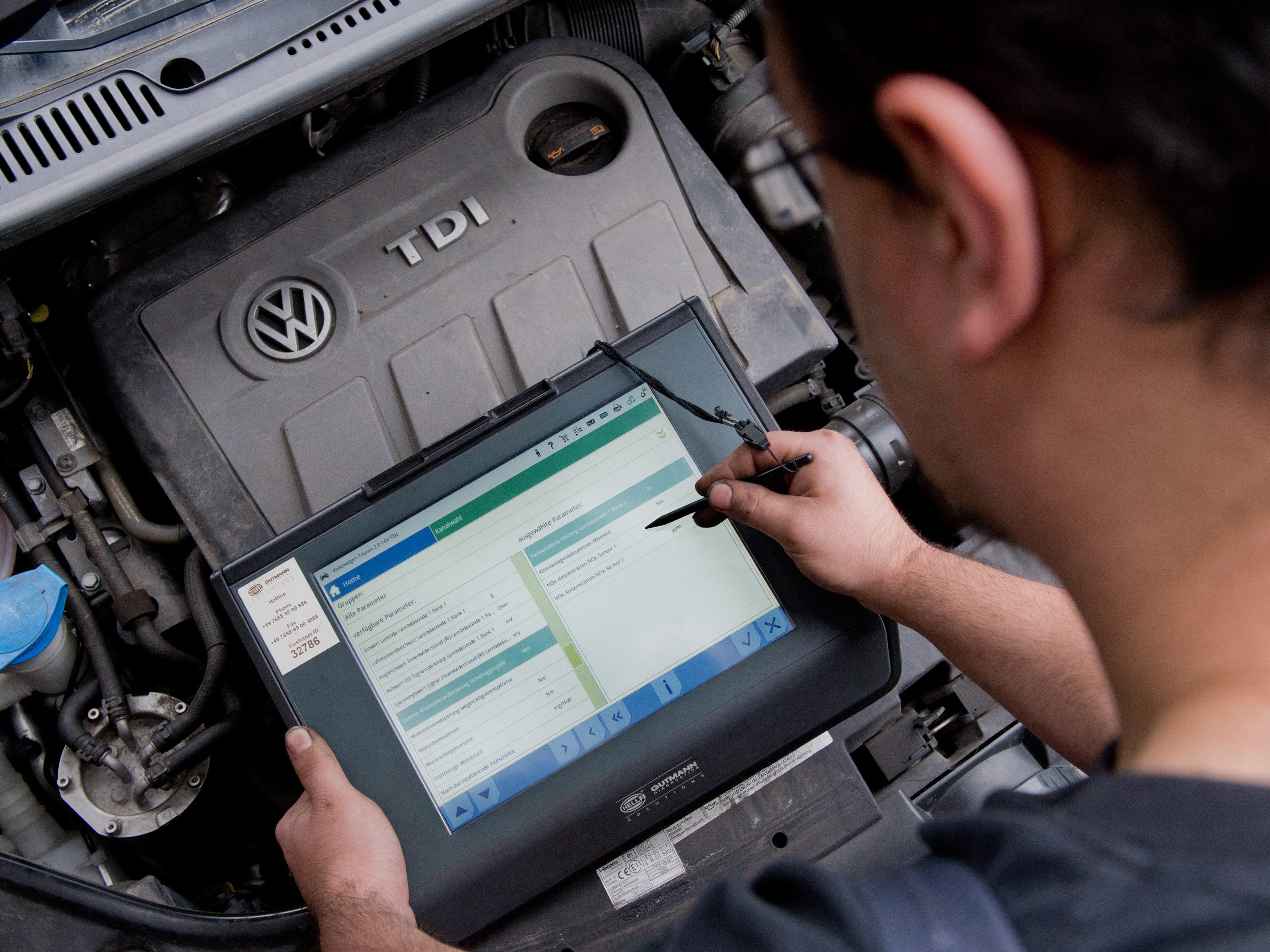 Soon It'll Be OK To Tinker With Your Car's Software After All