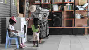 Rinse, Spin, Read To Kids: It's A Mashup Of Laundromat and Library
