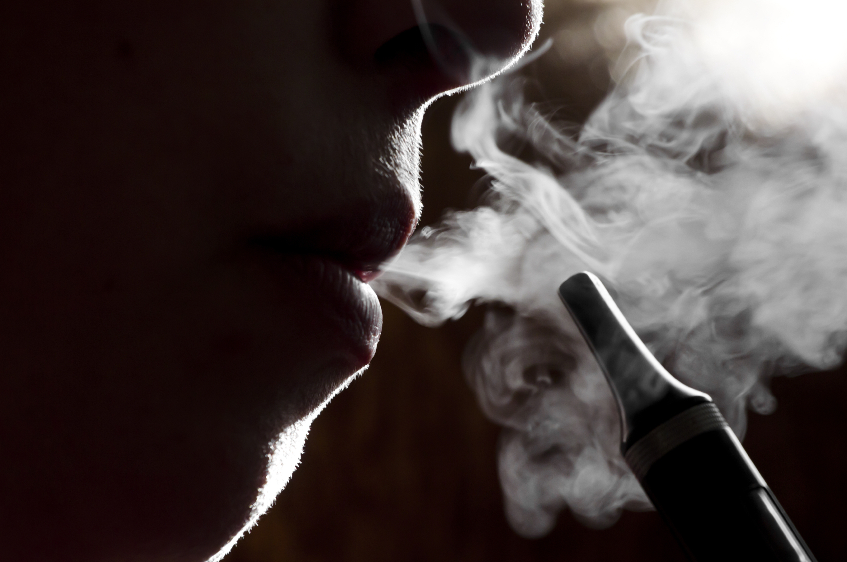 Most E-Cigarette Users Are Current And Ex-Smokers, Not Newbies