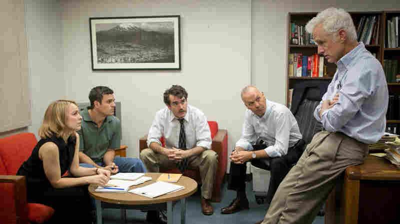 Rachel McAdams, Mark Ruffalo, Brian d'Arcy James, Michael Keaton and John Slattery play Boston Globe journalists in the film, Spotlight.