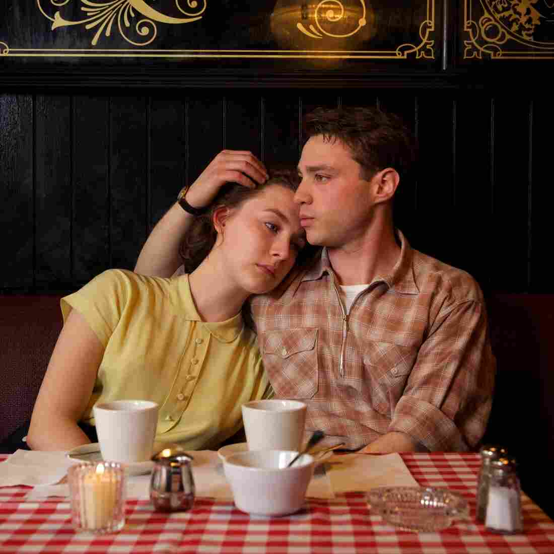 Saoirse Ronan as Eilis and Emory Cohen as Tony in Brooklyn.