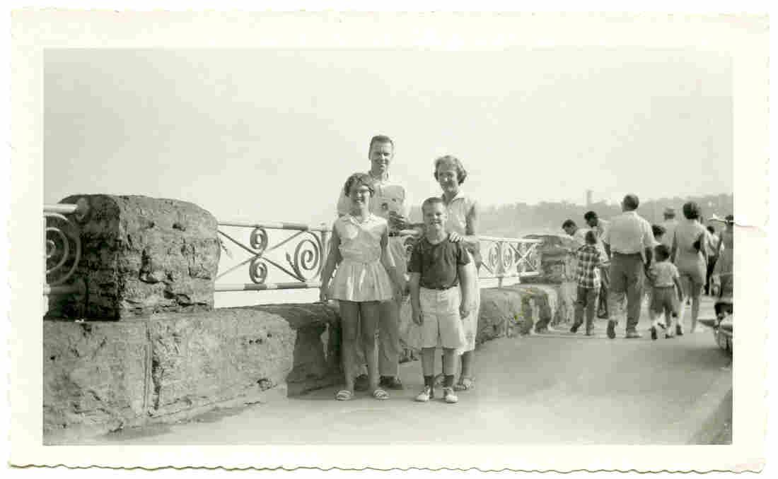 Richard Mintz and his family.