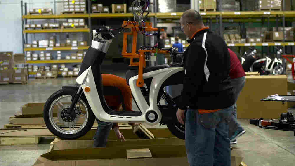 With 'Pickup Scooter,' America Meets Indian Carmaker