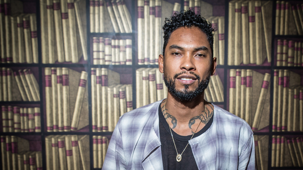 Miguel performs live at KCRW. (KCRW)