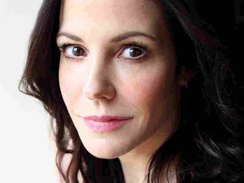 Mary-Louise Parker says her father loved words; they used to send poems to each other in the mail.