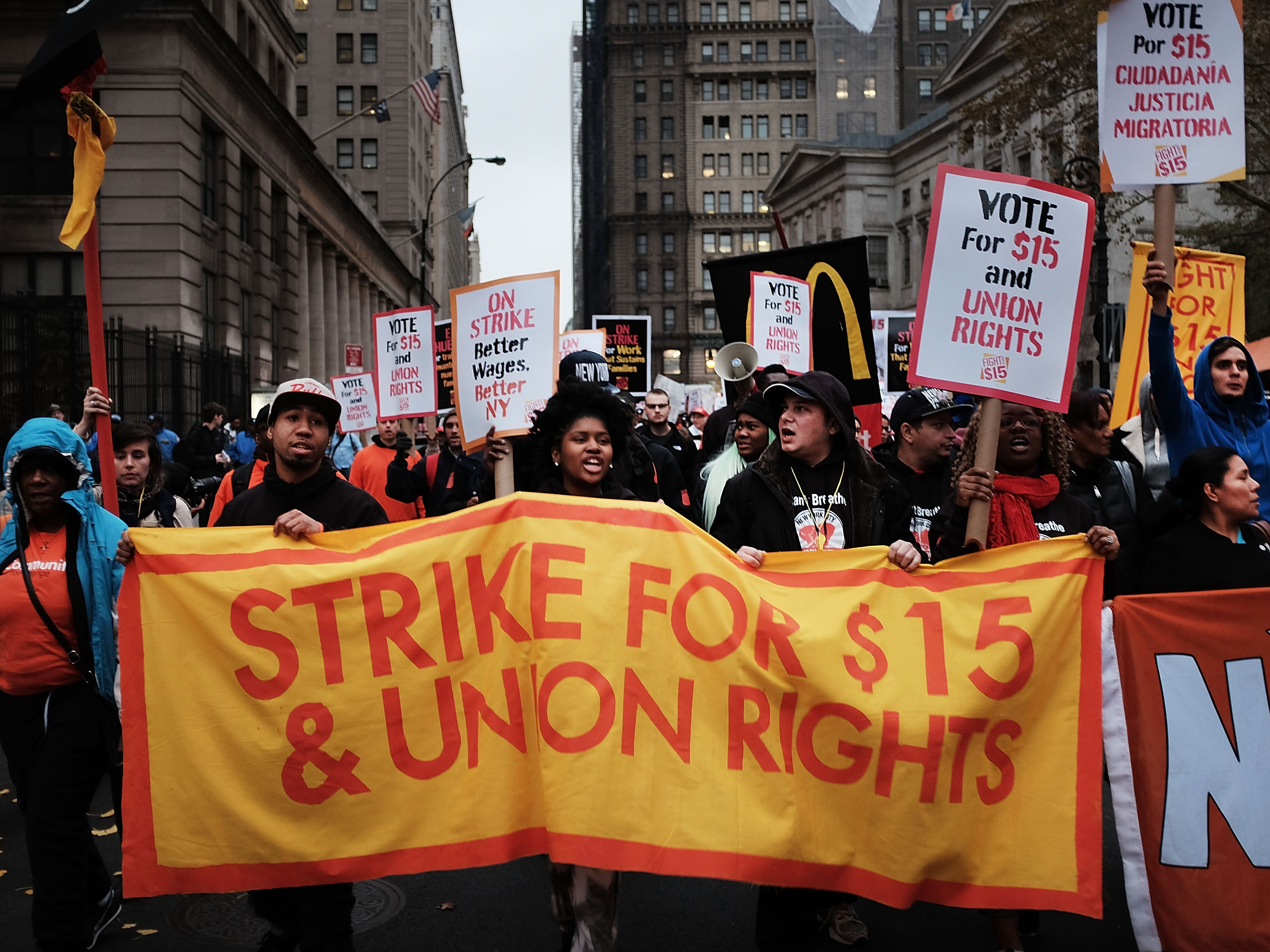 Push For $15 Minimum Wage Becoming Part Of Presidential Politics