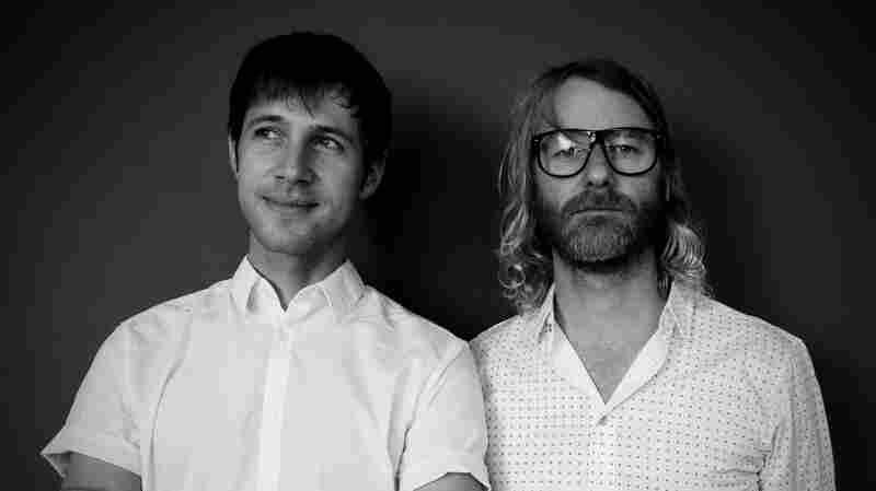 EL VY, 'Return To The Moon' (Live)