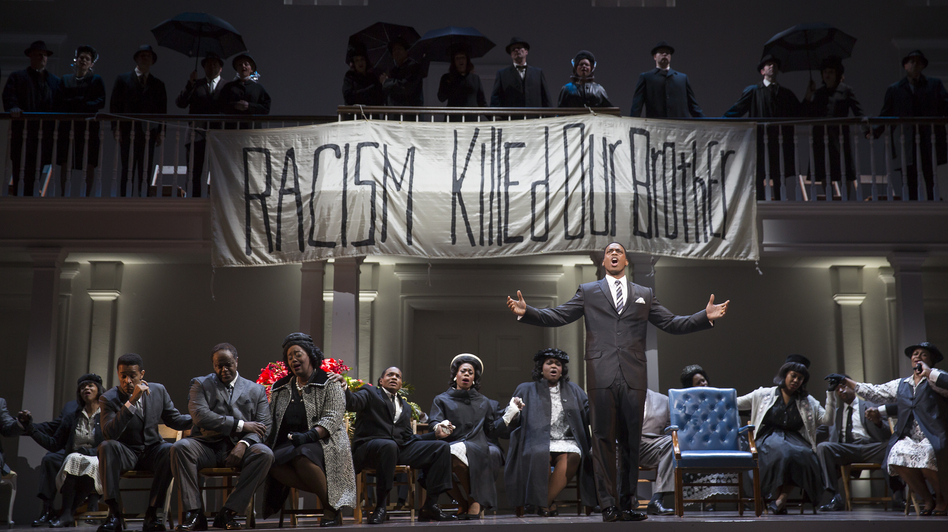 Soloman Howard performs as Dr. Martin Luther King, Jr. in Philip Glass and Christopher Hampton's Appomattox. (Scott Suchman for WNO)