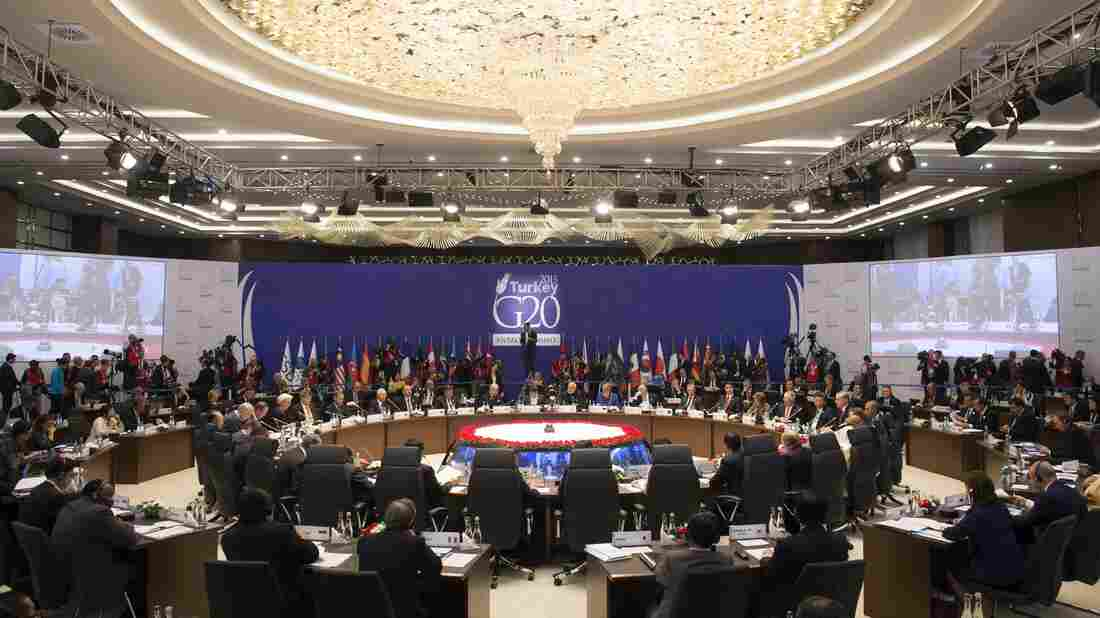 World leaders attend a working session on the Global Economy during the G-20 Summit in Antalya, Turkey, on Sunday.