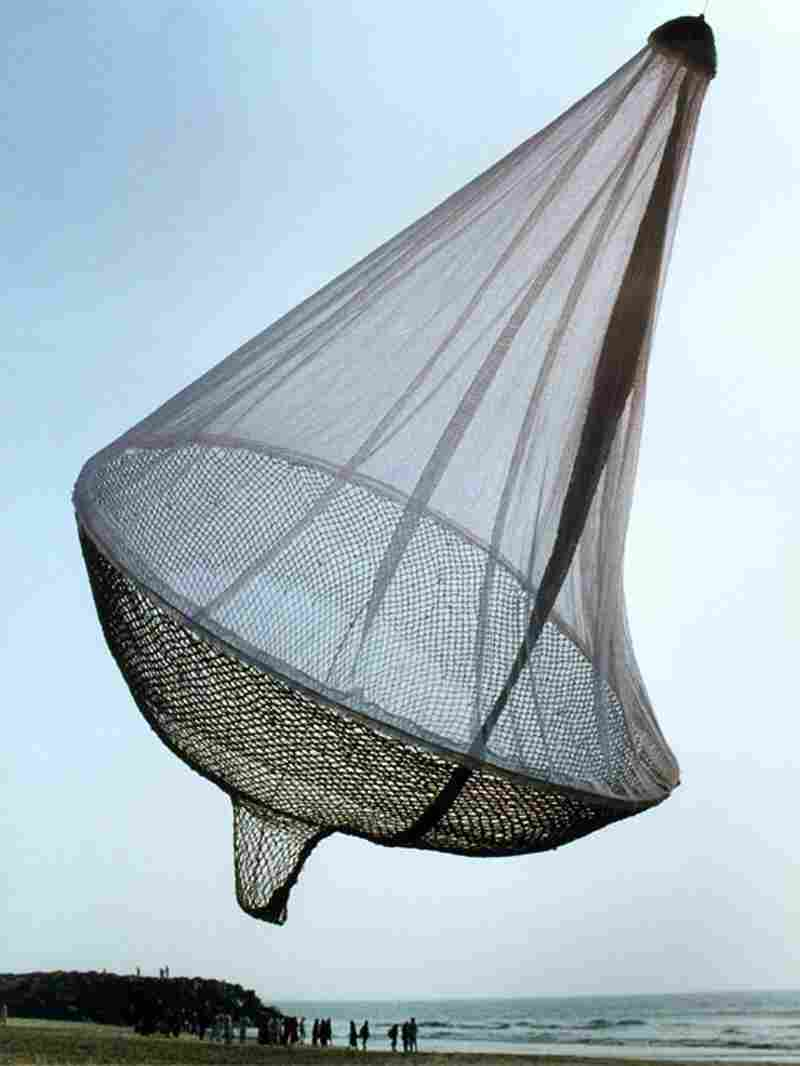 """Wide Hips"" in India. Janet Echelman's first sculpture."
