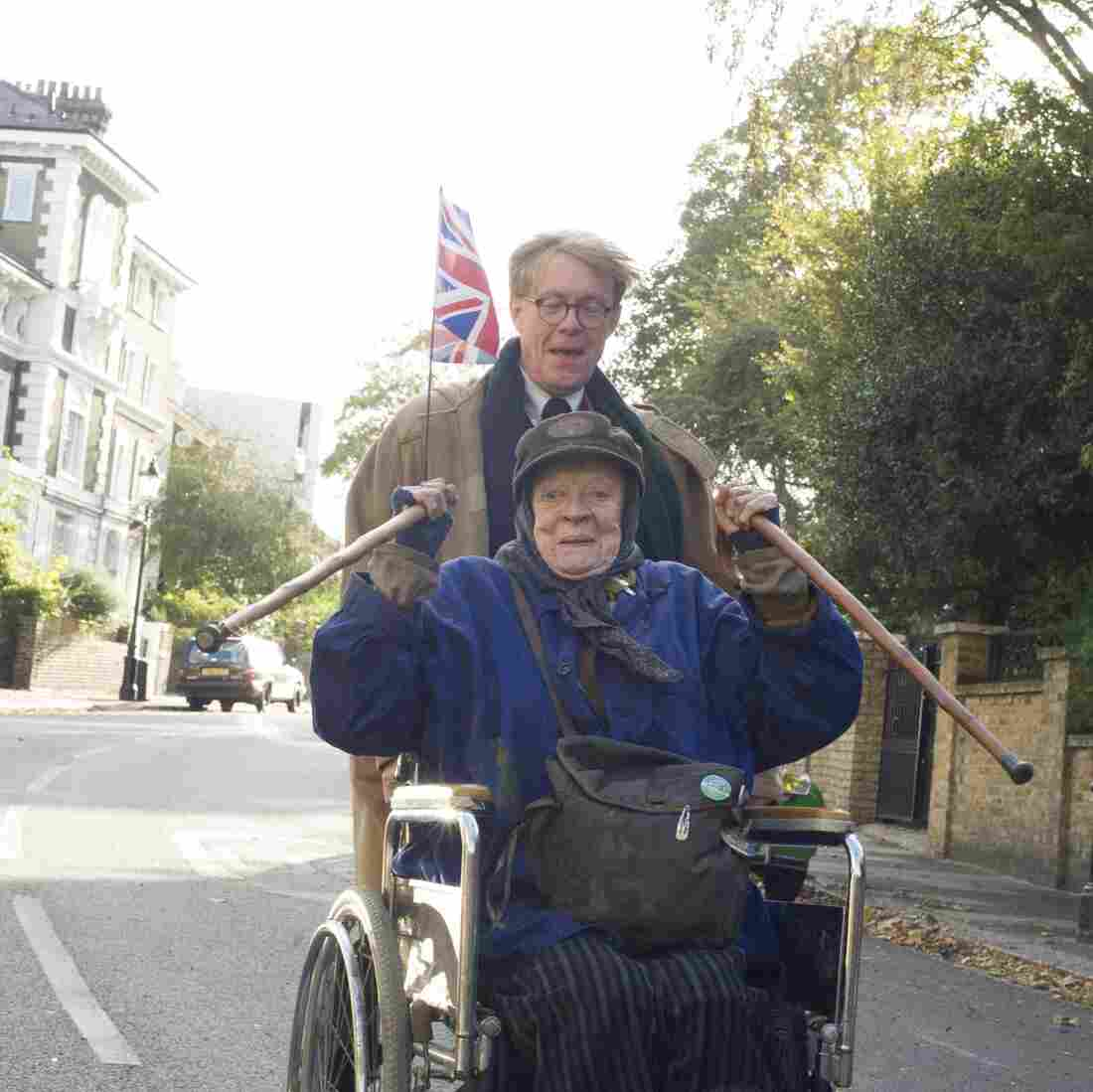 Alan Bennett (Alex Jennings) and Miss Shepherd (Maggie Smith) are both forceful personalities, but The Lady in the Van excels at bringing out undercurrents of frailty.