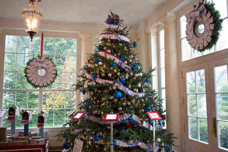The White House Is Decked Out With 62 Christmas Trees And More Than 70000 Ornaments This