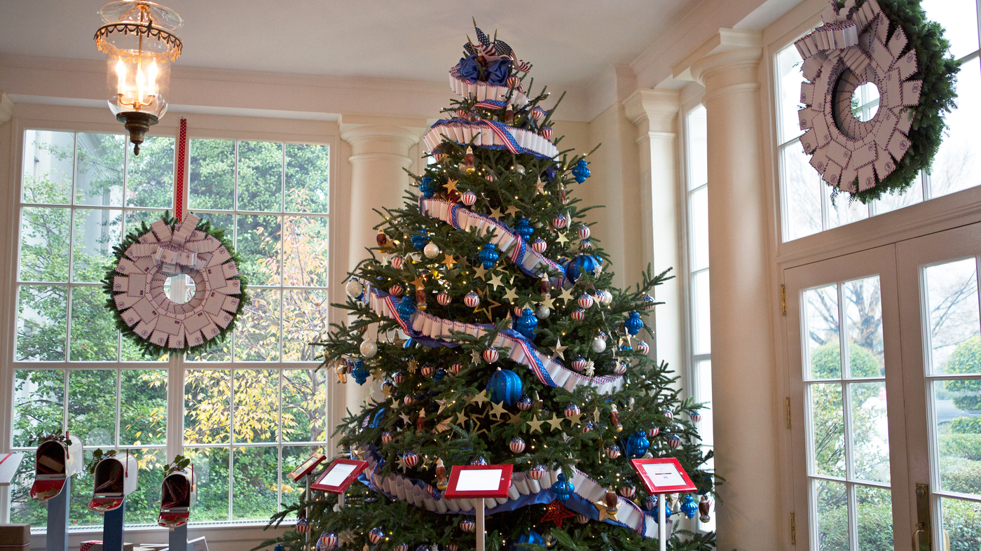 Christmas At The White House Where Youll Want To Hang That