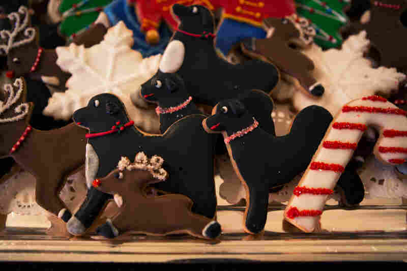 A cookie tray features the Obamas' dogs, Bo and Sunny, along with traditional holiday shapes.