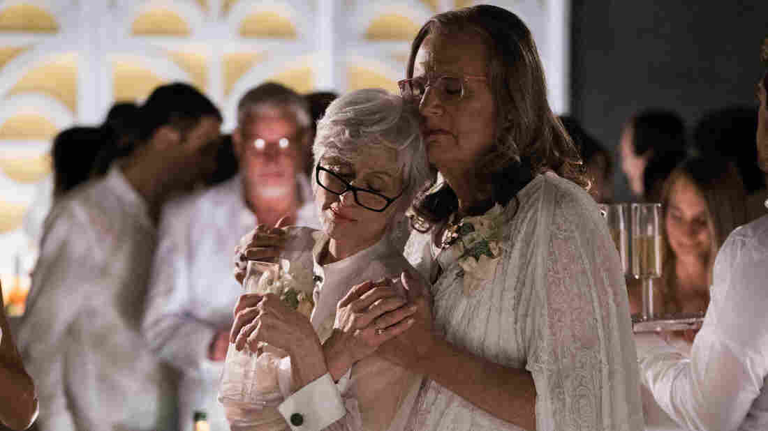 Season 2 of Amazon's Transparent begins with Maura Pfefferman (played by Jeffrey Tambor) and her ex-wife, Shelly, attending their eldest daughter's wedding.