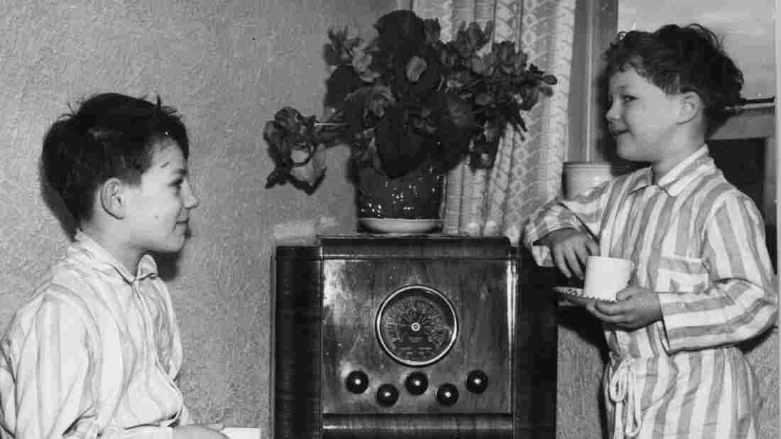 Ye Olde Radio