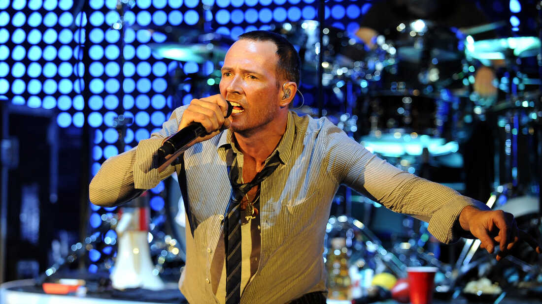 Scott Weiland: The troubled rock front man