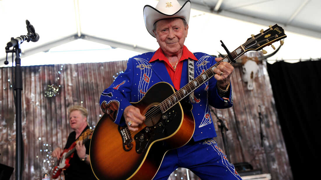 Jimmy Dickens: The little man with some big hit country records
