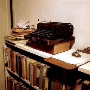 Hemingway left his books, papers and typewriter, seen here in 1964, in Cuba when he returned to America. (Mondadori Portfolio /Getty Images)