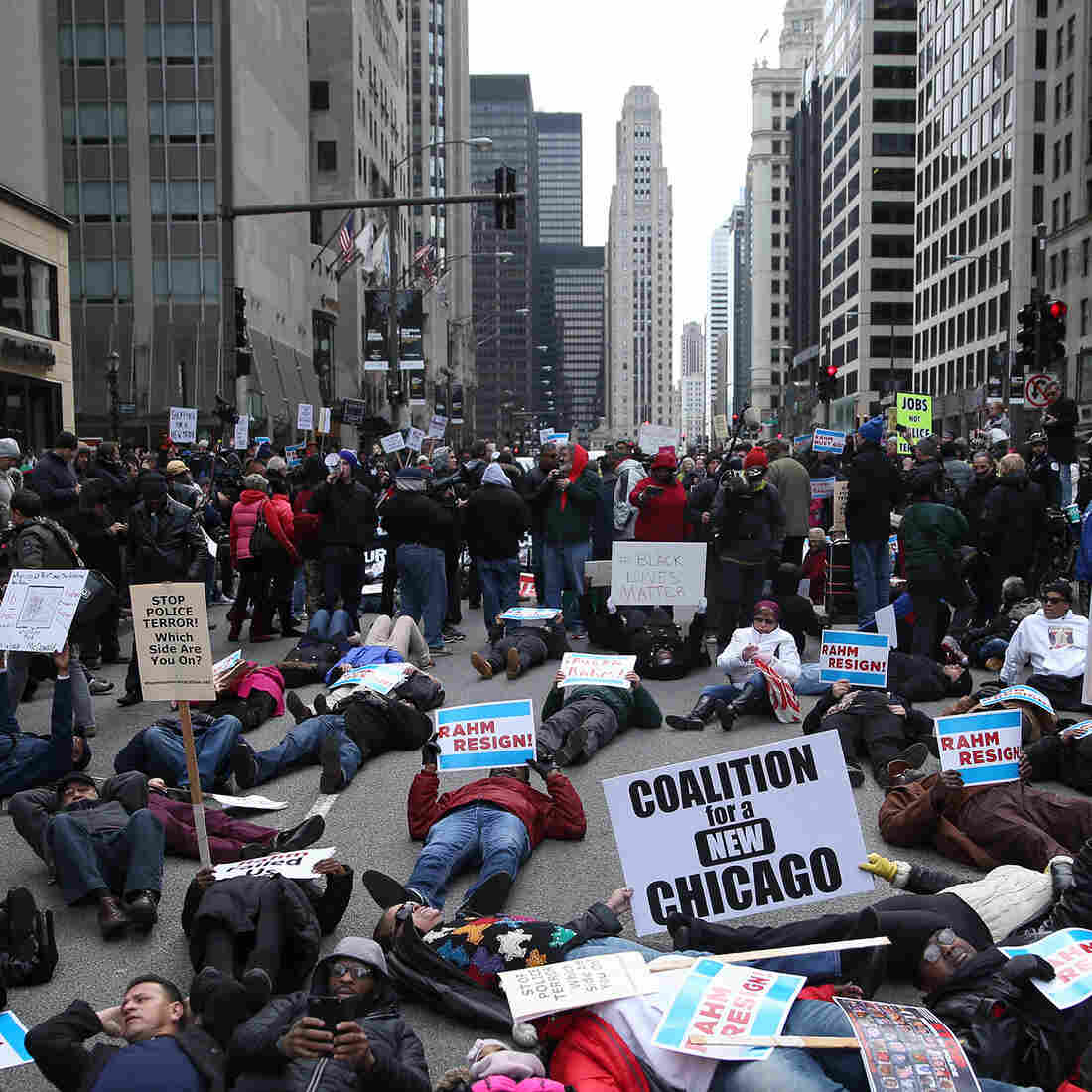 Magnificent Mile Protests Disrupt But Don't Deter Holiday Shopping