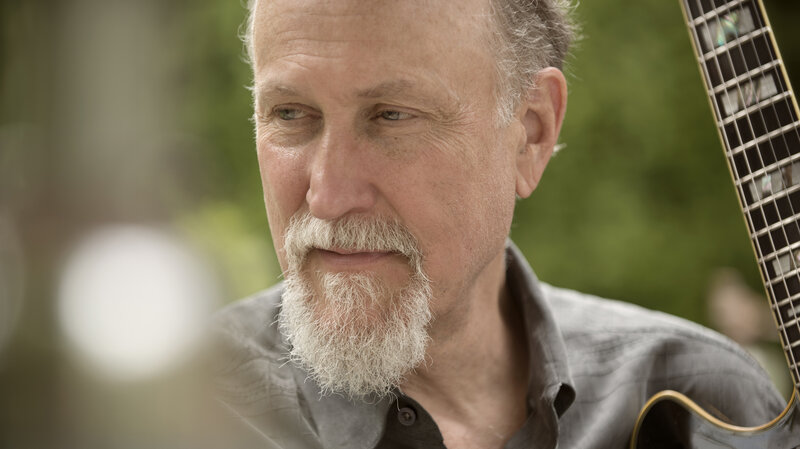 John Scofield's latest album, Past Present, reunites an old quartet for set of tunes steeped in reflection and loss.
