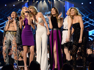 "Major #squadgoals? Taylor Swift (center) — with, from left, actress and singer Zendaya, models Martha Hunt and Lily Aldridge, and actresses Hailee Steinfeld and Ellen Pompeo at the 2015 Billboard Music Awards in Las Vegas this May — refers to her posse as her ""squad,"" which has prompted an aspirational hashtag."