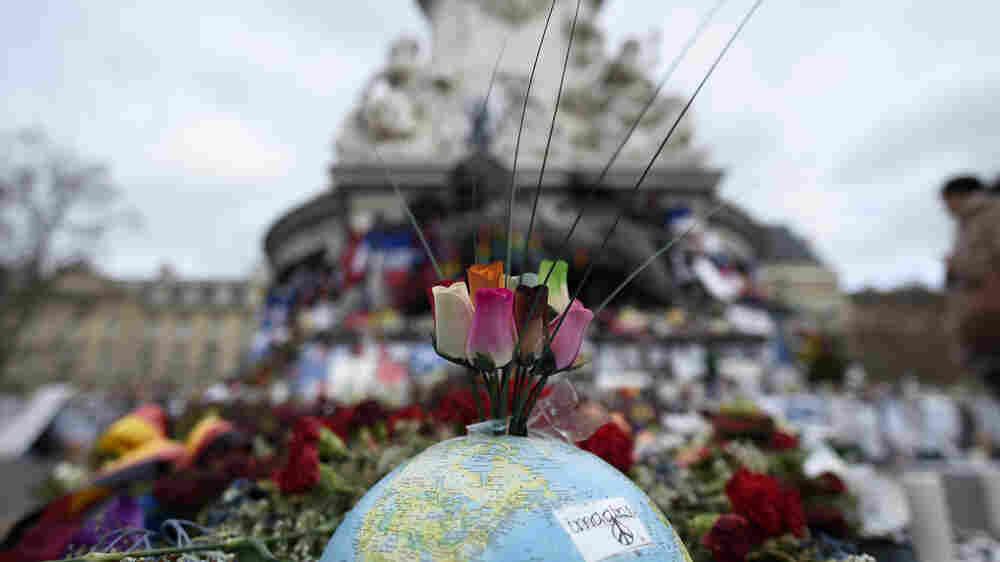 Paris Preserves Impromptu Memorials To Victims Of Attack