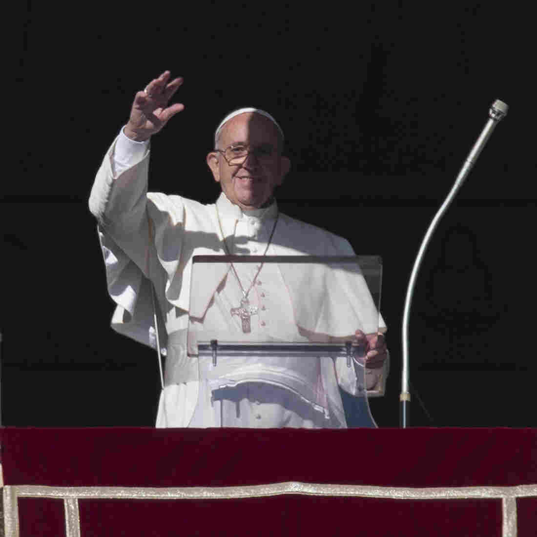 Pope Francis Asks Central American Governments To Help Cuban Migrants