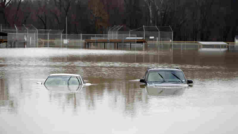 Towns Along The Mississippi River Evacuate As Floodwaters Swell